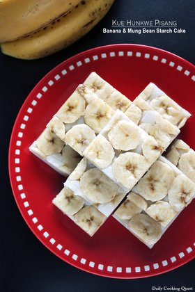Kue Hunkwe Pisang - Banana and Mung Bean Starch Cake