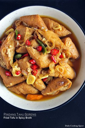 Pindang Tahu Goreng - Fried Tofu in Spicy Broth